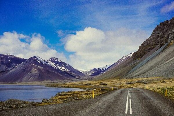 Iceland_(Unsplash_s2hfZOnb83U)