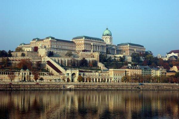 budapest-1254366_640