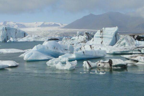 Jökulsárlón_Glacial_lagoon