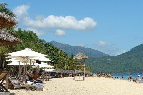 nha trang beach 1160579_640