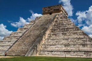 pyramid-1093924_640