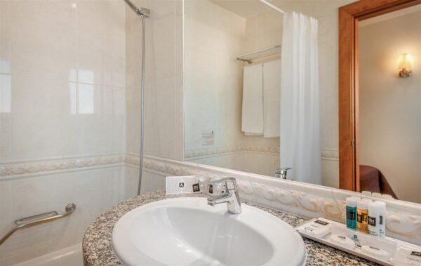 c1882_baño individual