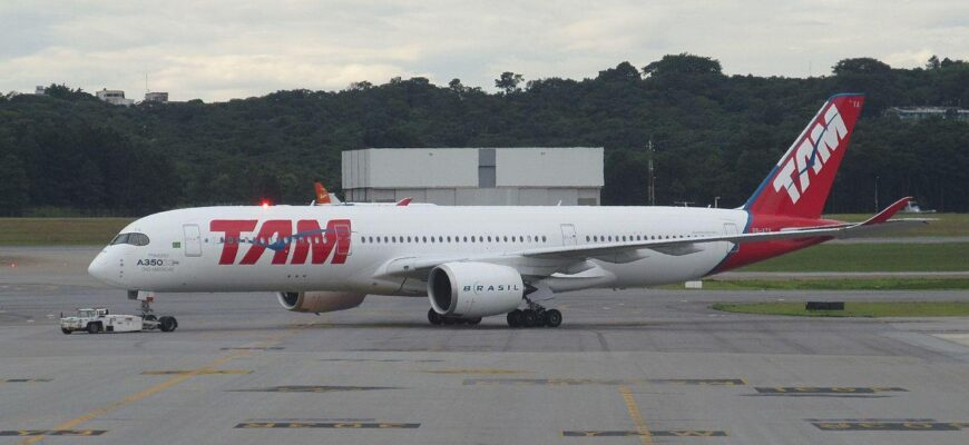 airbus a350 900 latam pr xta in guarulhos airport gru sp