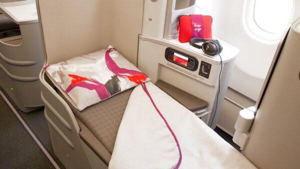 Iberia_business_plus_abordo_230cm
